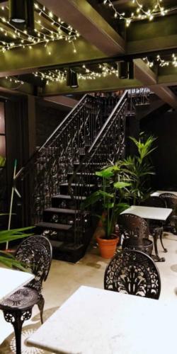 allestimenti-fiori-piante-artificiali-ristorante-bistro-lusso 1