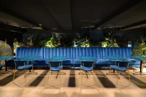 allestimenti-fiori-piante-artificiali-ristorante-bistro-lusso 12