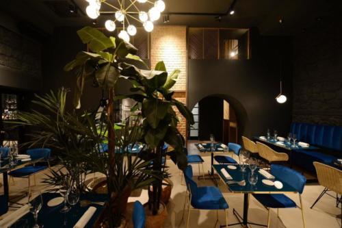allestimenti-fiori-piante-artificiali-ristorante-bistro-lusso 13