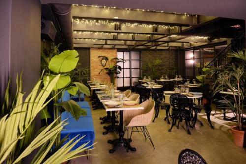 allestimenti-fiori-piante-artificiali-ristorante-bistro-lusso 14