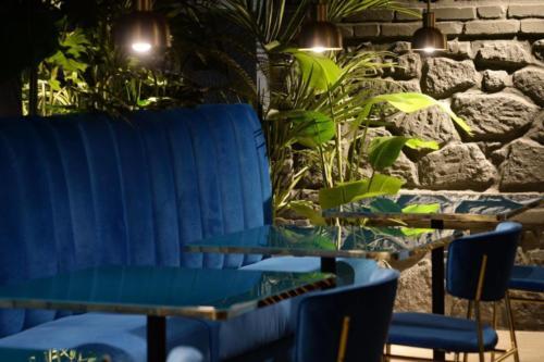 allestimenti-fiori-piante-artificiali-ristorante-bistro-lusso 5