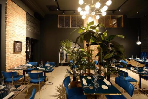 allestimenti-fiori-piante-artificiali-ristorante-bistro-lusso 7