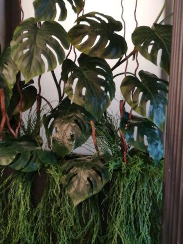 allestimenti-fiori-piante-artificiali-tropicali-ristorante-3